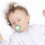 7 trucos para hacer una foto a tu hijo mientras duerme