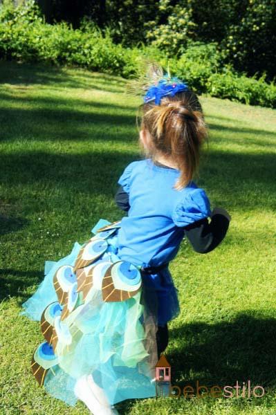 disfraz casero niña pavo real