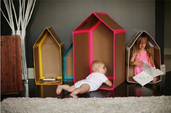 casitas hechas con cajas de cartón