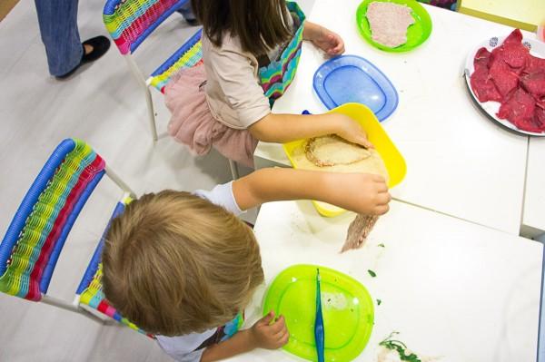 la cocinita de chamberi mammaproof madrid con niños cocina para niños (5)