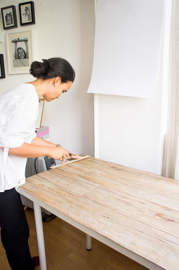 Diy c mo hacer un fondo de madera para tus fotos for Papel de pared madera