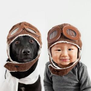 Tres niños y un perro