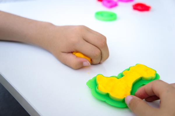 como jugar con plastilina