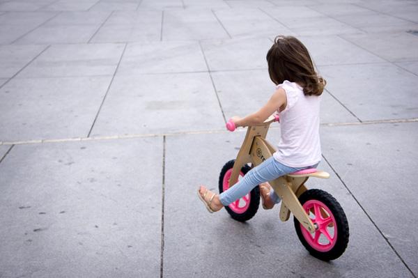 bicicletas de madera sin pedales equilibrio