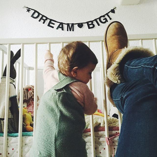 Dream Big... Pero no crezcas tan deprisa por favor 🙏 #sábadoencasita #relaxoalgoparecido @oministudio