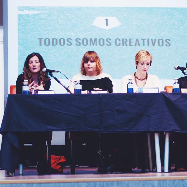 Ayer nos invitaron a presentar nuestro proyecto @hellocreatividad en la Madrid Woman's Week y a hablar sobre nuestra experiencia como madres emprendedoras, fue un placer coincidir en la mesa con gente con tanta pasión en sus proyectos como @madresfera @mimuselina @patchgirl81 @mamaporbulerías y muchas de las asistentes ☺️ mil gracias @evagasconfoto por captar ese momento en el que no había quién me callara 🙈 #mww2015